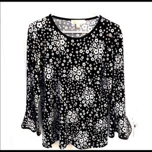 Michael Kors Blk/Wht Floral Bell Sleeve Blouse.